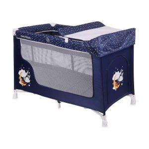 Lorelli Bertoni prenosivi krevetac 2 nivoa San Remo Blue, namenjen deci od rođenja do 15kg, idealan za igru i spavanje. Lagan za sklapanje i transport.