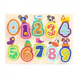 Top Bright slagalica brojevi, na zabavan način uči mališane da prepoznaju, imenuju i poslažu po redu brojeve od nula do devet.